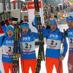 Путин поздравил российских биатлонистов с победой в эстафете на ЧМ