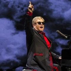 Элтон Джон даст единственный концерт в России в декабре
