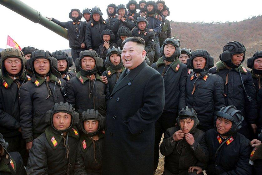 Северокорейский лидер Ким Чен Ын провел смотр-конкурс танковых экипажей Корейской народной армии.