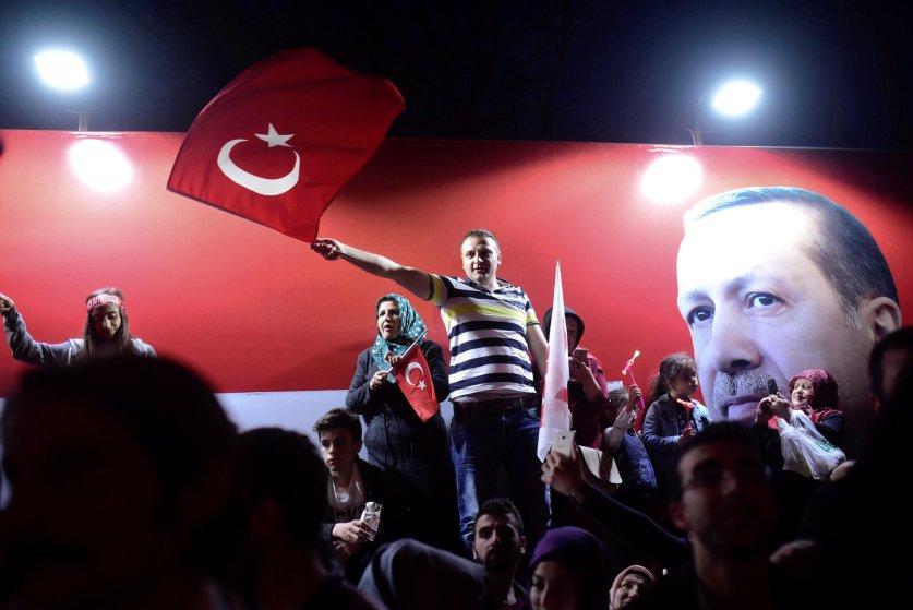Референдум в Турции: Эрдоган получил полномочия султана Османской империи