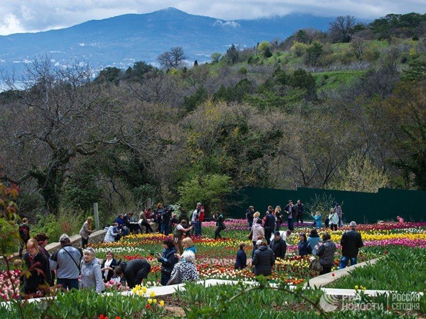 В этом году на выставке были высажены более 37 тысяч цветов.