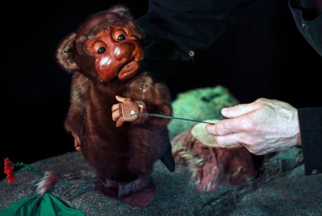 Одна из кукол Владимира Захарова