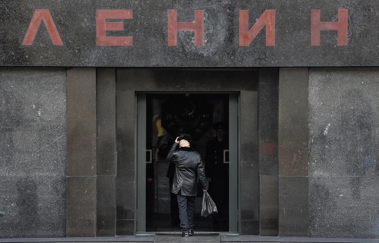 ВЦИОМ: две трети россиян выступают за захоронение Ленина