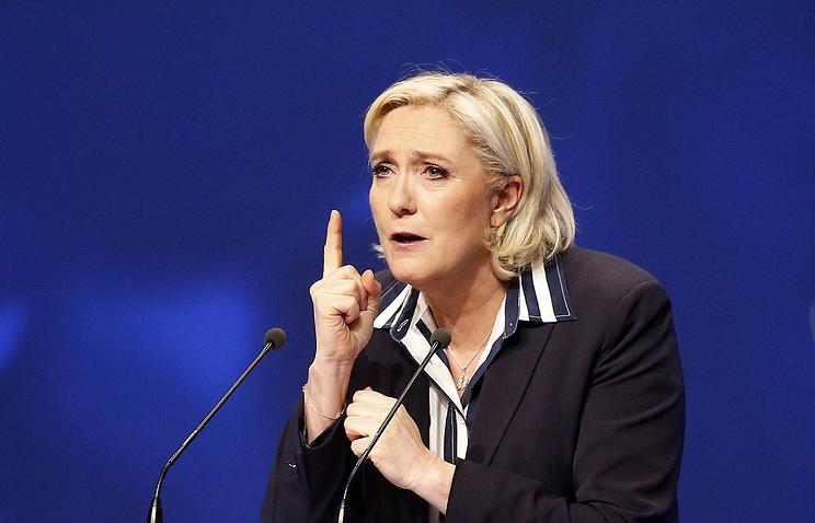 Марин Ле Пен призвала Зидана заняться футболом и оставить политику в стороне