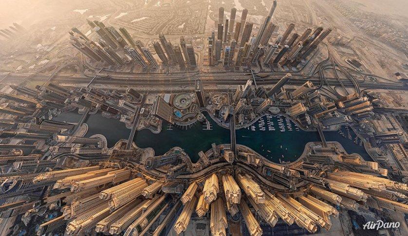 Крупнейший город Объединённых Арабских Эмиратов Дубай.