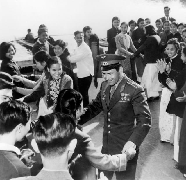 Герман Титов во Вьетнаме, 1962 год