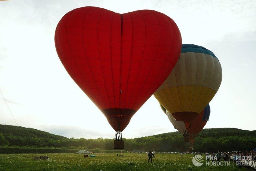 Воздушные шары на фестивале воздухоплавания.