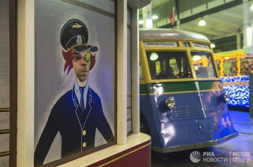 """В Санкт-Петербурге к акции """"Ночь музеев"""" присоединились более ста концертных и выставочных залов. На фото: петербургский Музей городского электрического транспорта."""