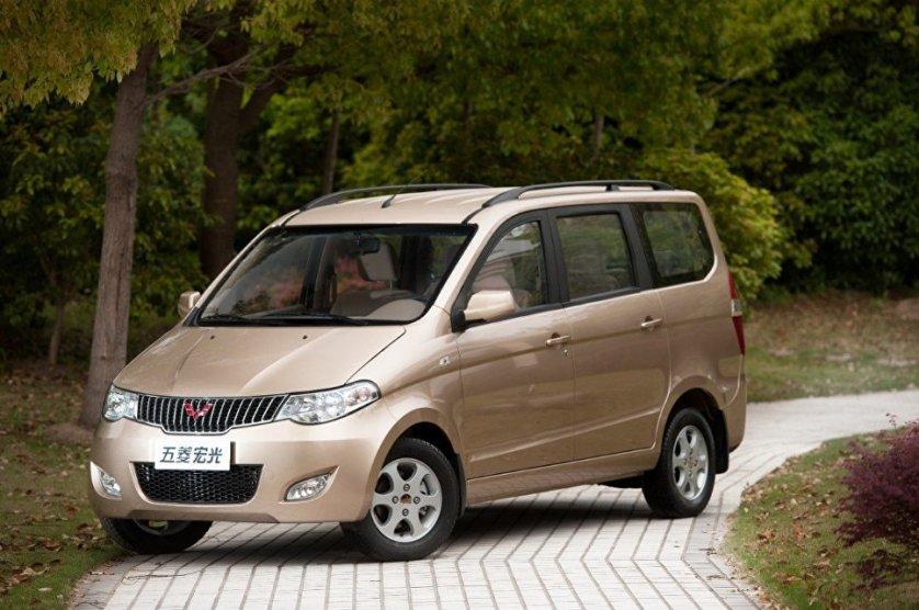 Автомобиль Wuling Hongguang