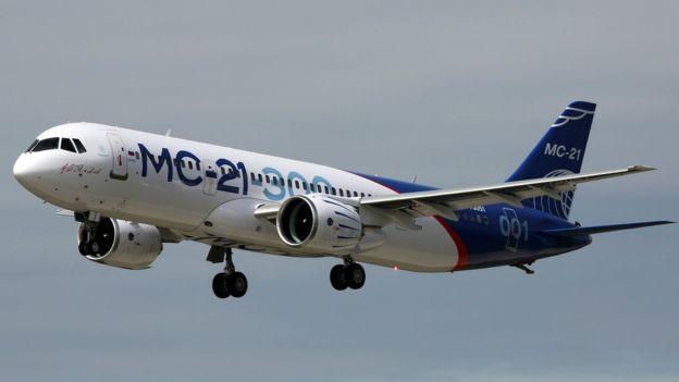 روسيا تسعى لمنافسة بوينغ وايرباص بأول طائرة تجارية منذ الحقبة السوفيتية