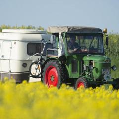 Hannoversche Zeitung (Германия): Немецкий пенсионер едет на тракторе в Санкт-Петербург