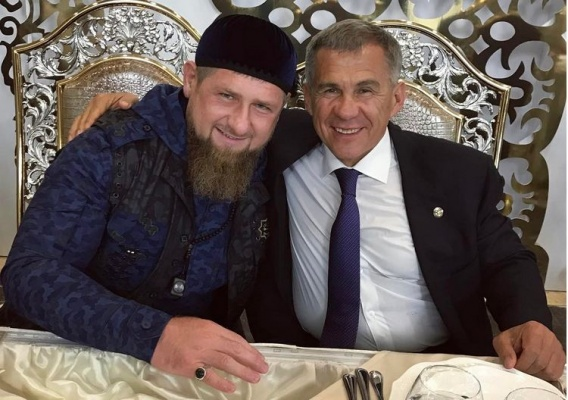 Фото из Instagram Рамзана Кадырова подписано С Братом.