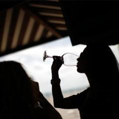 Власти турецкой Антальи запретили публичное распитие алкогольных напитков