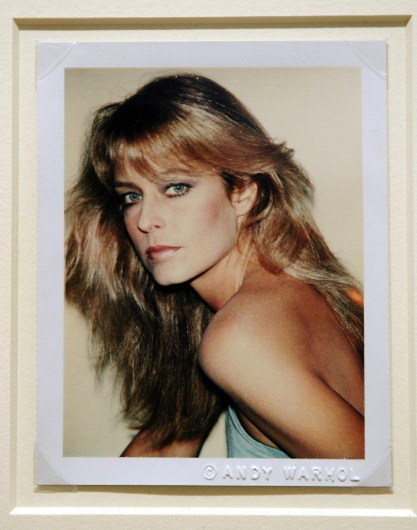 Портрет Фарры Фосетт снятый на Polaroid Энди Уорхолом на аукционе Sotheby's в Нью-Йорке