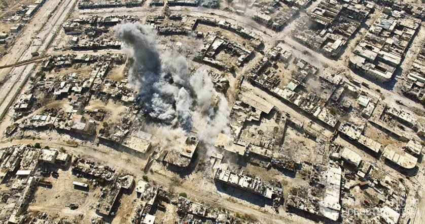 Нанесение авиаударов по террористам в квартале Рамусе на юго-западе Алеппо. Сирия, 15.08.2016.