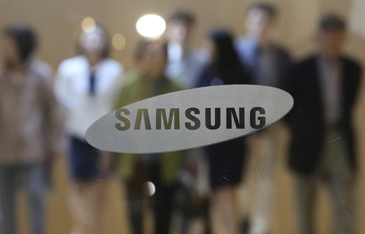 СМИ: Samsung на этой неделе выпустит в продажу новый смартфон-раскладушку
