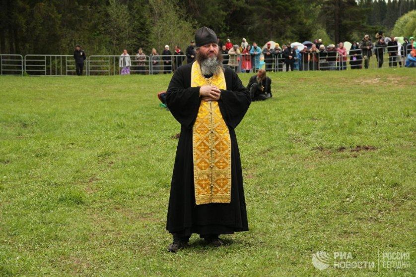 Предстоятель Русской православной церкви назвал Великорецкий крестный ход демонстрацией силы веры русского народа.