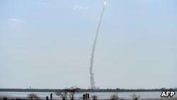 الهند تطلق 31 قمرا صناعيا إلى الفضاء