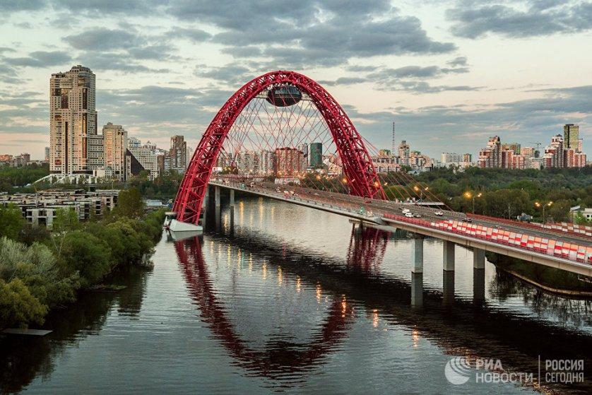 Лидером рейтинга оказалась Москва, которая была признана самым удобным для жизни городом России. Столица набрала 221 балл индекса качества городской среды.
