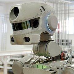 Российский робот Федор первым в мире научился садиться на шпагат