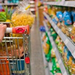Дворкович рассказал, что сдерживает рост цен на продукты