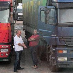 Подслушано в кузове: как истории дальнобойщиков стали популярным спектаклем