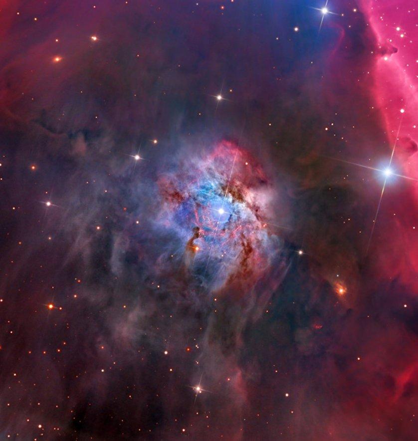"""Работа фотографа Warren Keller """"Эмиссионная туманность NGC 2023"""". Эта туманность находится в созвездии Орион на расстоянии 1467 световых лет от нашей планеты. Фотограф смог запечатлеть этот объект в диаметре четырех световых лет. Таким образом удалось выяснить, что это одна из крупнейших отражающих туманностей во вселенной."""