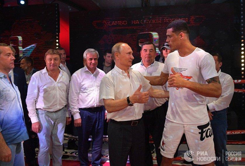 После окончания турнира глава государства поблагодарил иностранных спортсменов, заверив, что Россия ждет их на соревнования в дальнейшем.