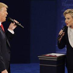 СМИ: Клинтон в мемуарах назвала Трампа «отморозком»