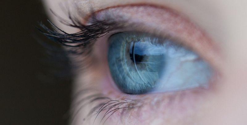 Болезнь Альцгеймера разглядели в глазах пациентов