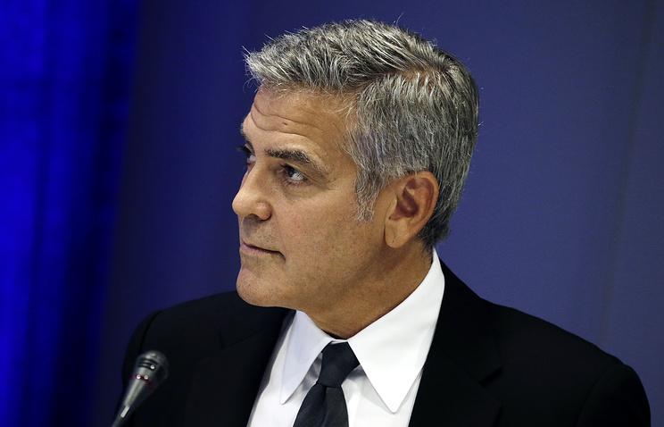 Джордж Клуни пожертвовал $1 млн на борьбу с расизмом после столкновений в Шарлотсвилле