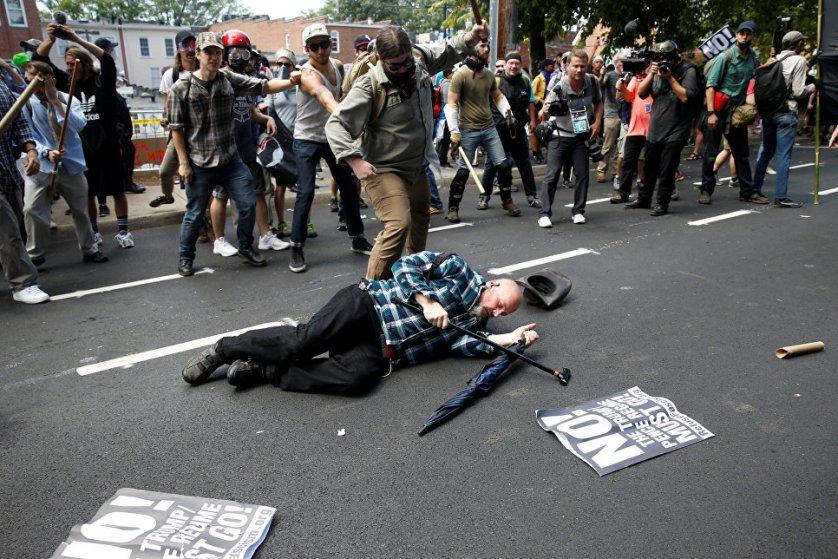 تظاهرات فوضوية في مدينة شارلوت الاميركية