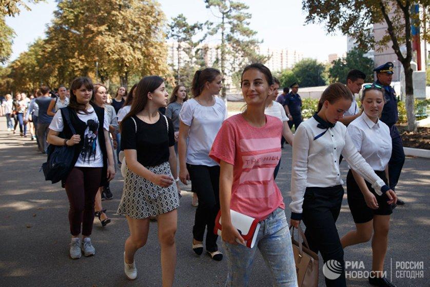 Конкурс среди абитуриенток высокий - на 15 мест уже претендует более 150 девушек из самых разных регионов России, в том числе с Дальнего Востока, Кавказа, из Крыма и Севастополя.