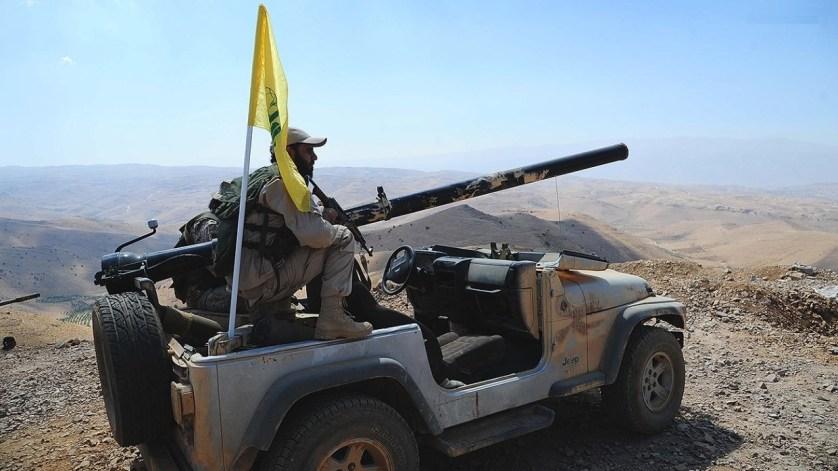 الجيش السوري وحزب الله يتقدمان والجيش اللبناني يعيد تمركز قواته في الجرود