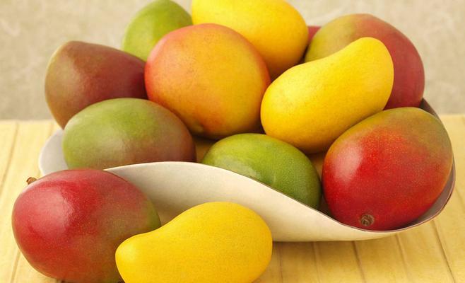6 مشاكل جلدية يمكن مواجهتها بالتغذية السليمة