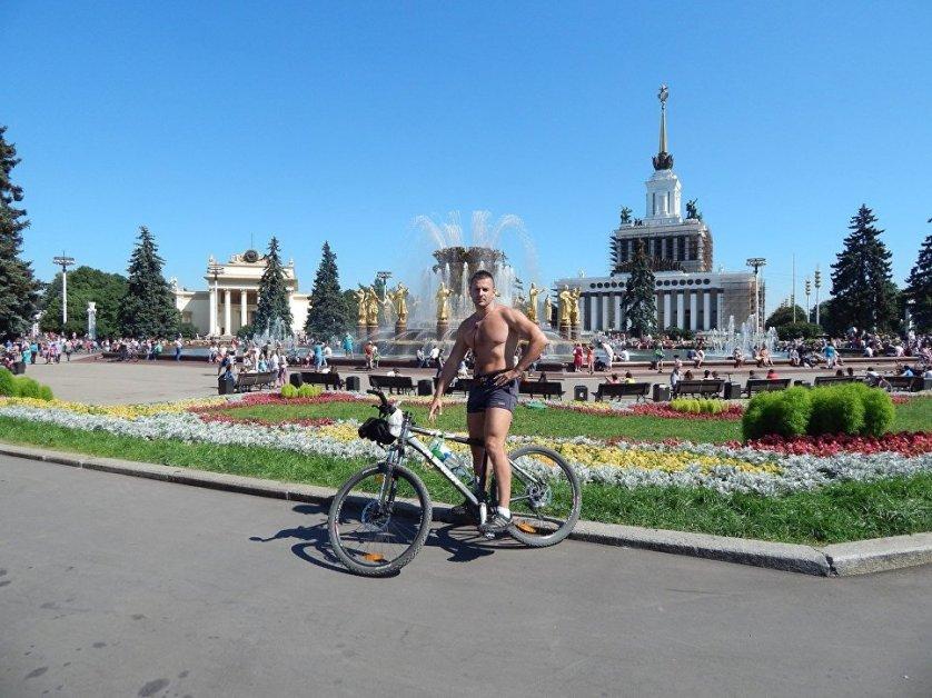 Станислав Ратников, работает натурщиком больше пяти лет