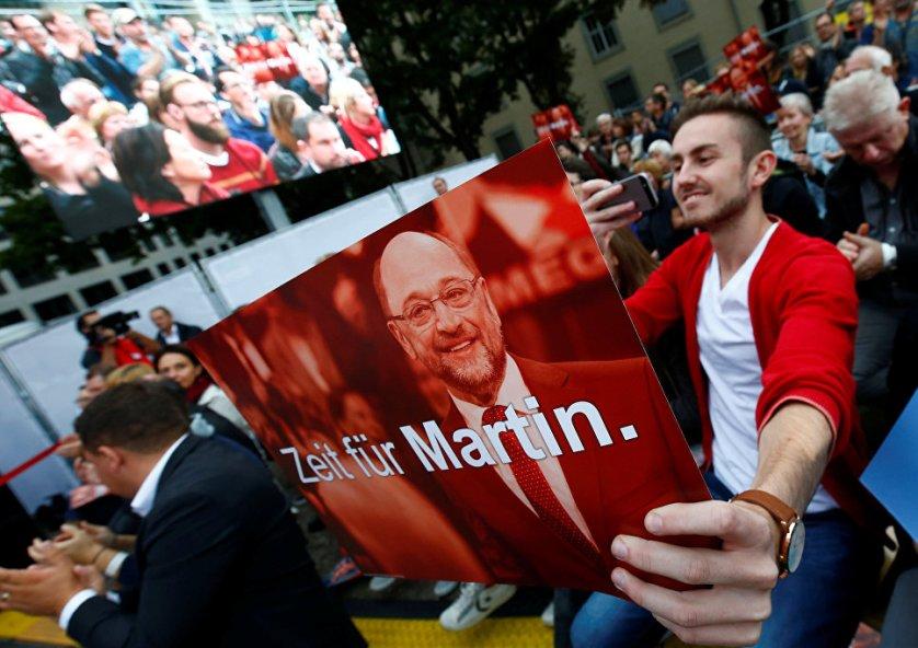 Сторонники кандидата в канцлеры ФРГ Мартина Шульца в Майнце