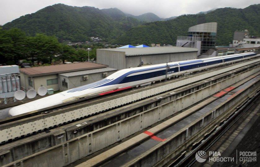 Маглев — поезд на магнитной подушке. Цуру, Япония