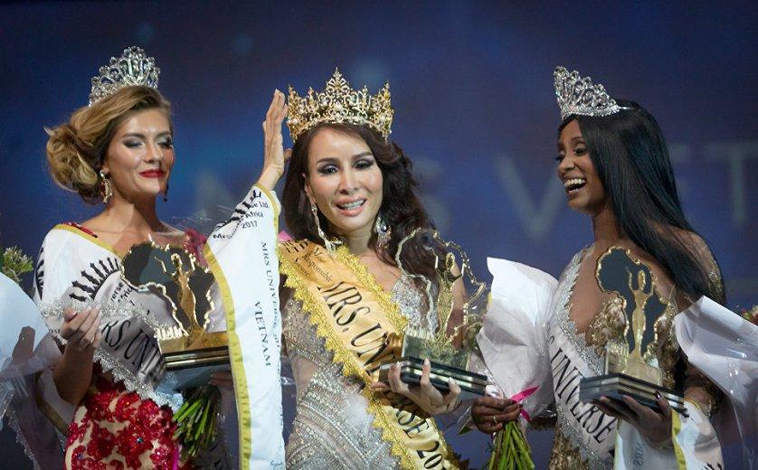 """Миссис Вьетнам Трем Хоанг Луу победила на конкурсе красоты """"Миссис Вселенная"""" в Дурбане."""