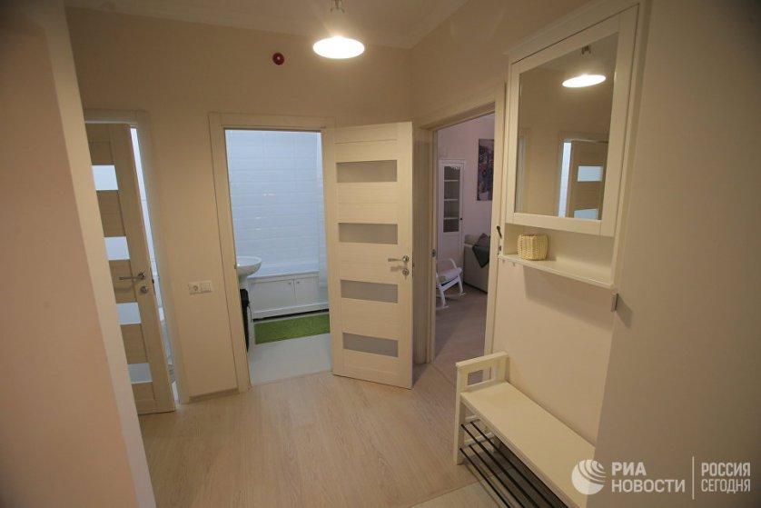 Прихожая типовой 3-комнатной квартиры, предназначенной для переселения по программе реновации.