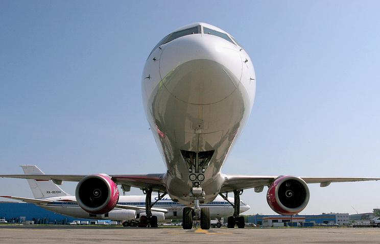 «Ведомости»: рейсы «ВИМ-Авиа» из Домодедово обеспечены топливом до конца понедельника