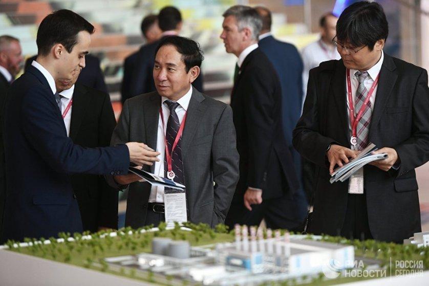 Фонд развития Дальнего Востока (ФРДВ) представил на Третьем Восточном экономическом форуме (ВЭФ) онлайн-сервис, который демонстрирует доступные для инвесторов в аквакультуру свободные акватории.