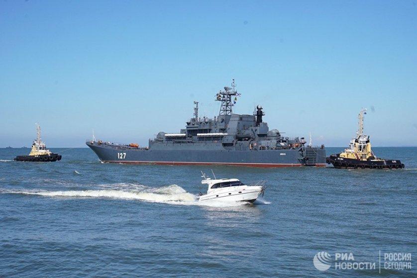 В рамках российско-белорусских учений 20 российских кораблей успешно выполнили артиллерийские и ракетные стрельбы по мишеням на Балтике. Помимо артиллерийских стрельб, малые ракетные корабли и катера отработали выполнение электронных ракетных пусков по кораблям условного противника.