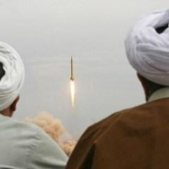 На враждебность США Иран ответит укреплением своего оборонного потенциала