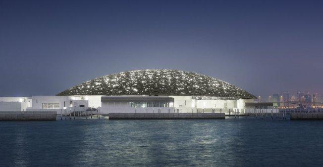 """متحف """"اللوفر- أبو ظبي"""" يفتح أبوابه في 11 نوفمبر مستعيرا أعمالا فنية فرنسية شهيرة"""
