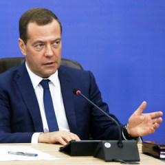 Медведев пообещал учесть в бюджете-2018 все соцобязательства