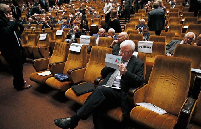 Академики не смогли выбрать президента РАН за один тур