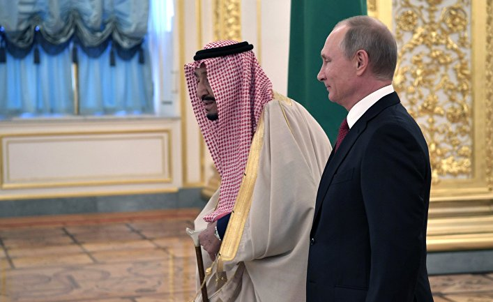 5 октября 2017. Президент РФ Владимир Путин и король Саудовской Аравии Сальман Бен Абдель Азиз Аль Сауд (слева) во время встречи.