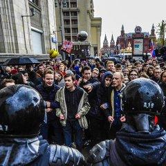 InoPressa (тема дня): «Молодому, энергичному» 65 — юная Россия слабо протестует