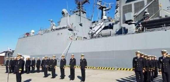 مناورات عسكرية بحرية قرب شبه الجزيرة الكورية